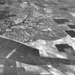 نظرة من الجو لمعسكر صرفند الذي لا يزال موجوداً بالقرب من القرية